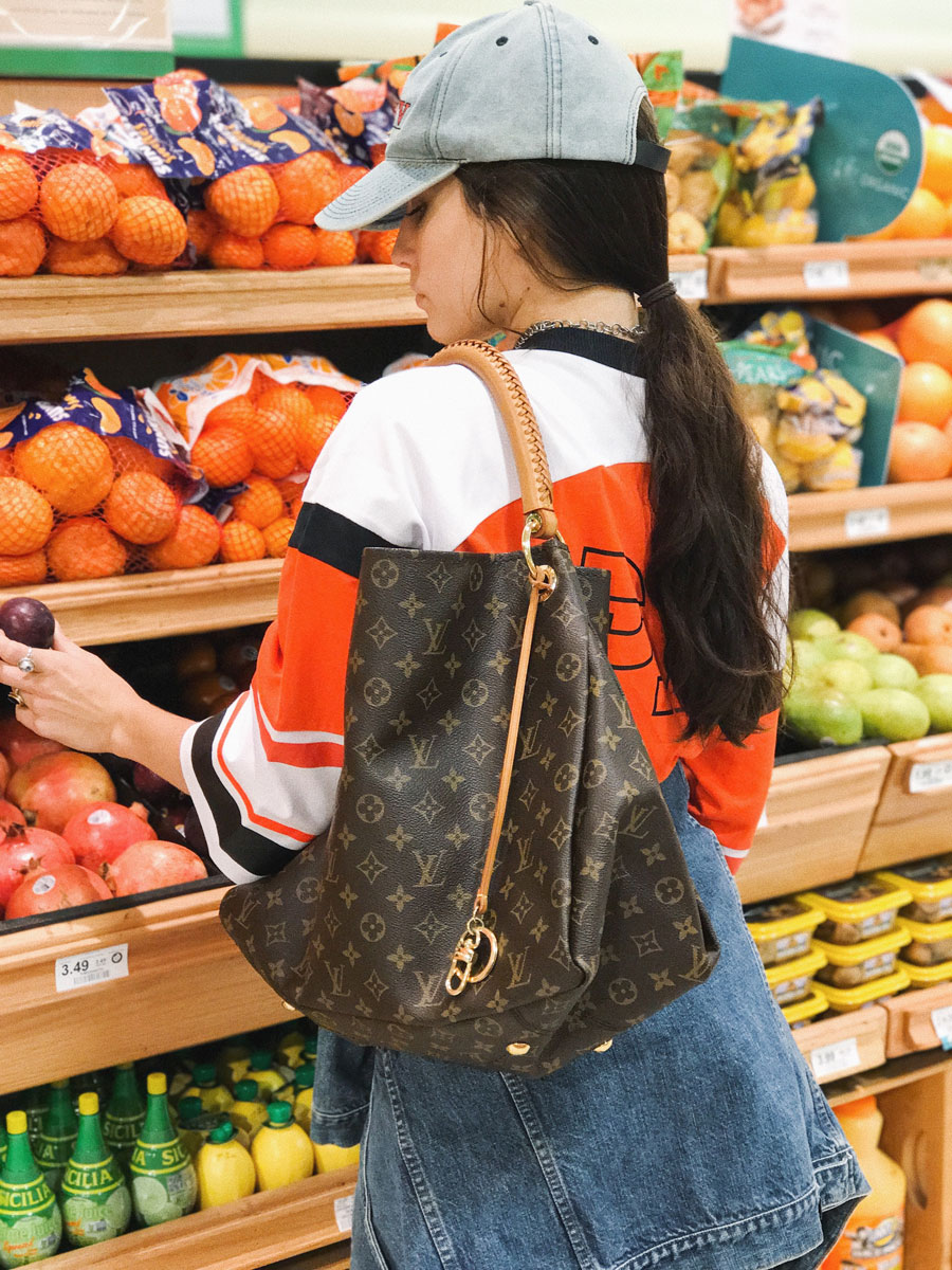 Words like artist... produce. Amy shopping with Louis Vuitton MM Artsy bag. All clothes from the shop.