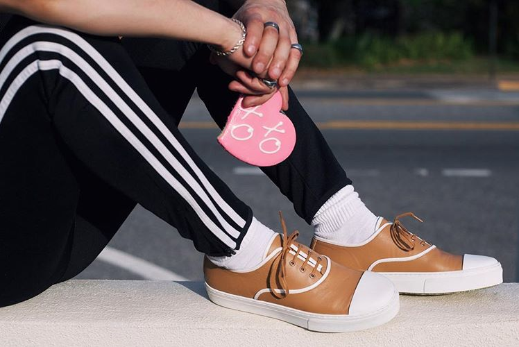 Sweets and hugs and kisses from us to you. XOXO. (Adidas track pants and two-tone leather shoes in camel, Celine. Cookie from Diana 😍 )