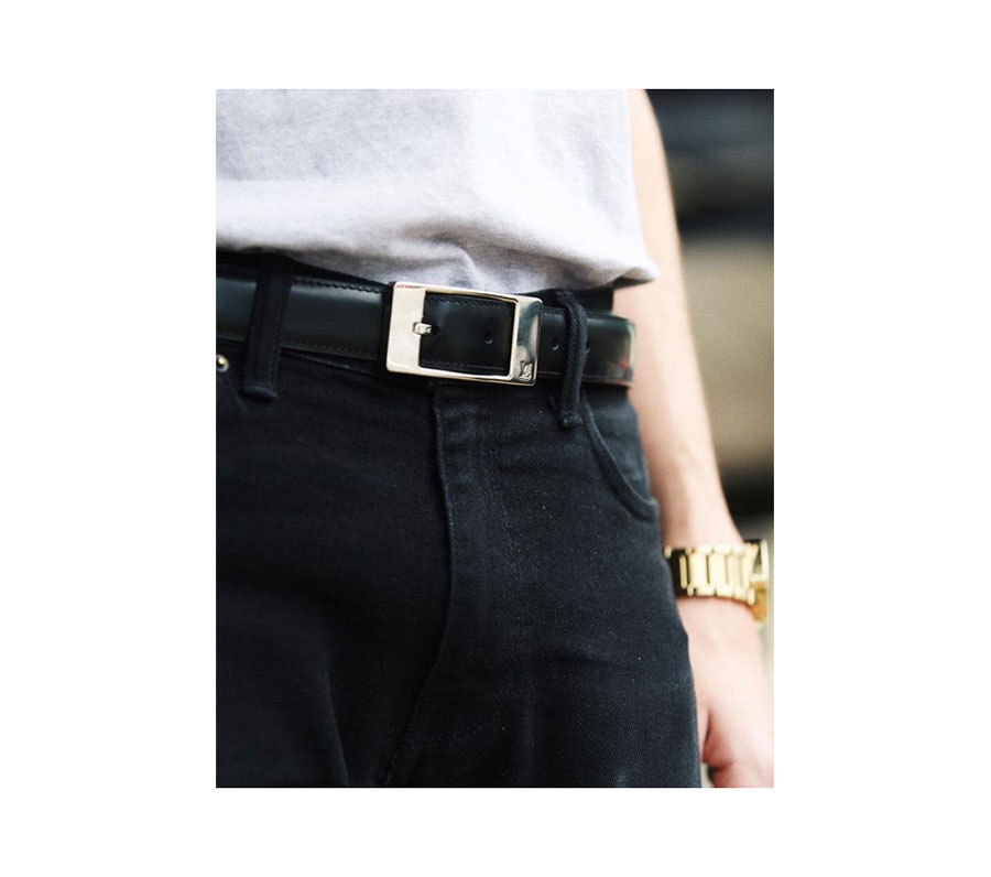 Men's black leather belt,  Louis Vuitton .