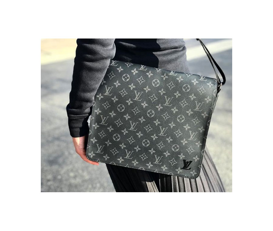 District MM Monogram Eclipse Canvas messenger,  Louis Vuitton .