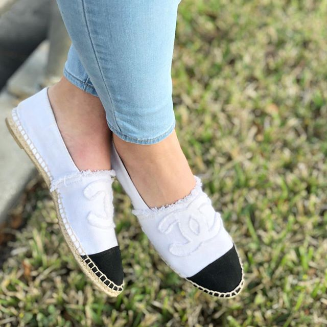 Today at our #EastColonial shop we have these black and white #Chanel #espadrilles, made in Spain, ladies size 9 fits more like an 8. These babies can be yours for only $380!  #madeinspain #flats #chanelshoes #chanelespadrilles #chanellove #chanellover #chanelaccessories #dechoes #dechoesresale #dechoesorlando #dechoes #cutie #omg #instacute #designerresale
