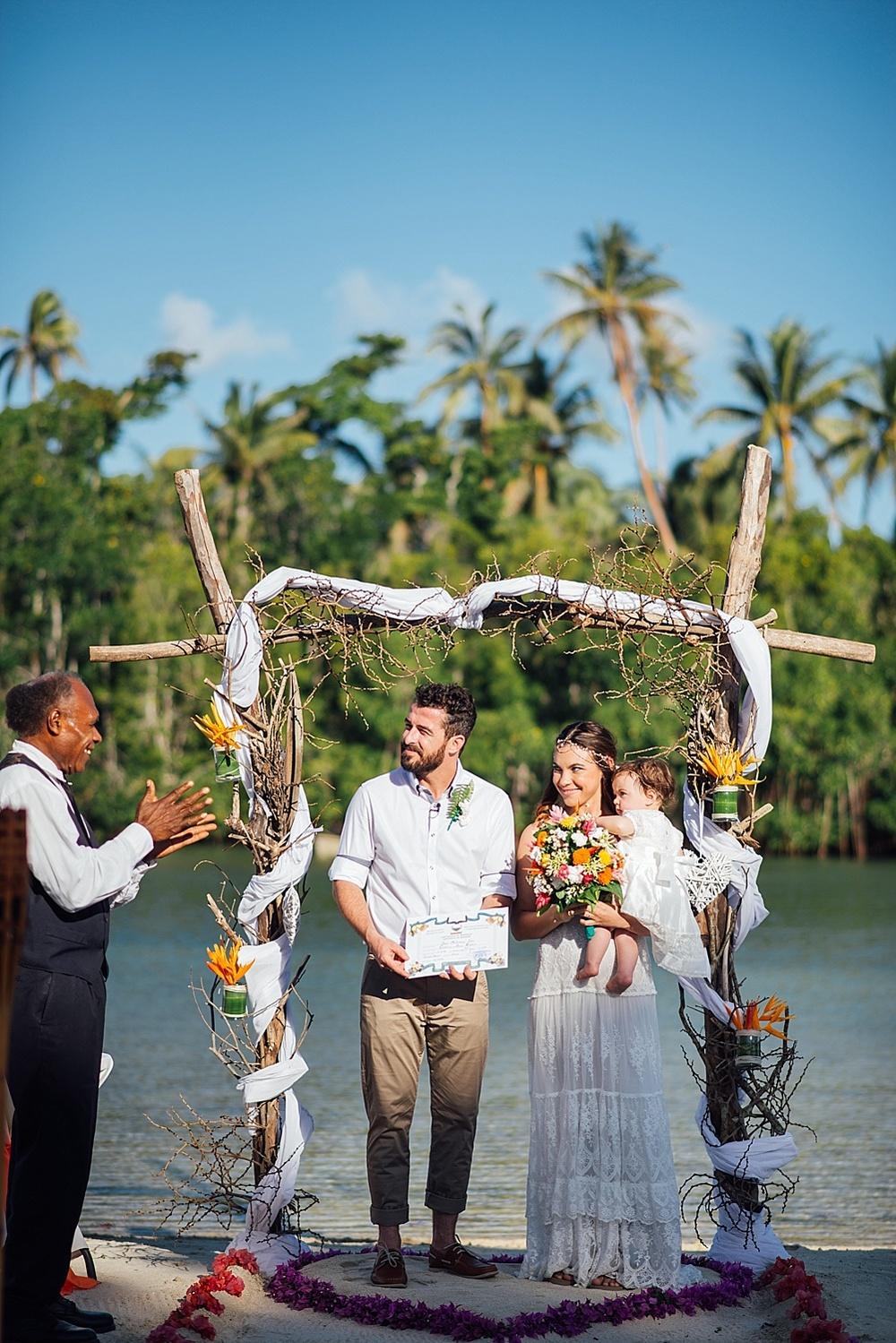 Mitch&Shanna-wedding-Vanuatu-Cocomo_0004.jpg