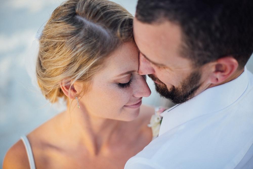 Jess&Luke-wedding-Vanuatu-Groovy-Banana_0035.jpg