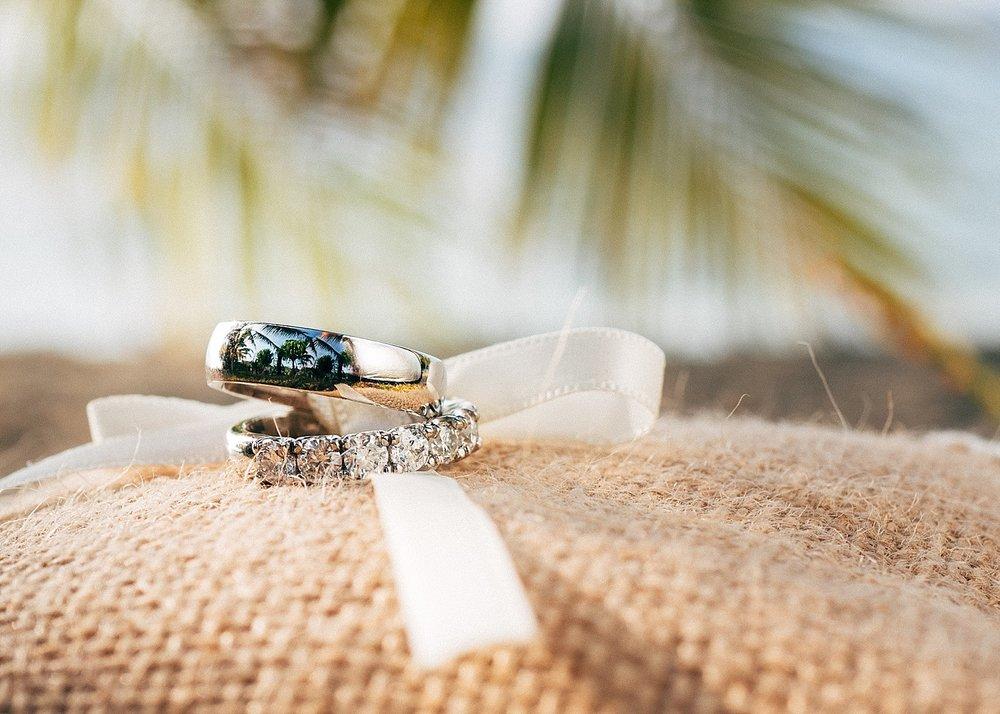 AngelfishCoveWade-Meg-WeddingPhotography-GroovyBanana-VanuatuPhotographers_0001--.jpg