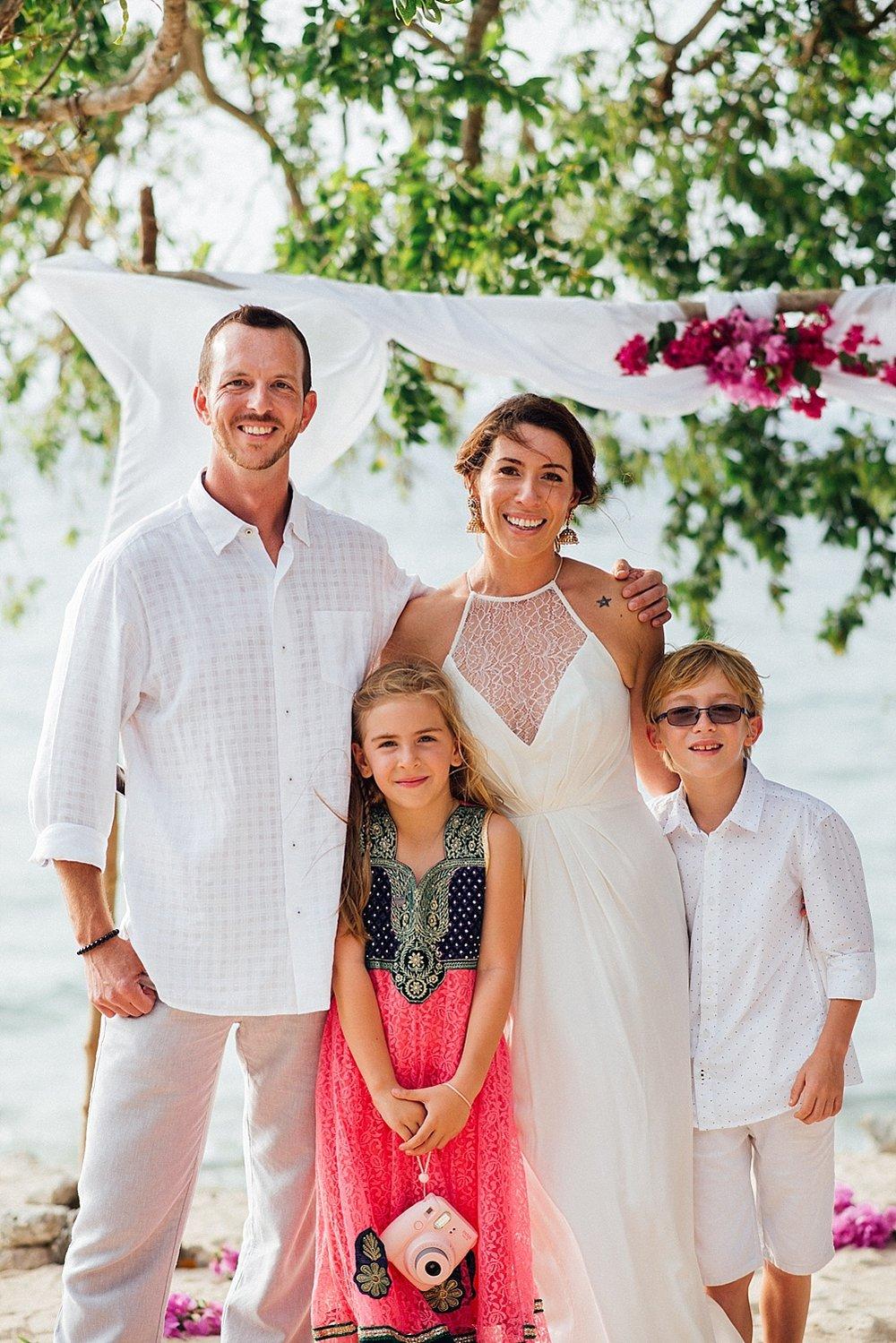 AngelfishCoveWade-Meg-WeddingPhotography-GroovyBanana-VanuatuPhotographers_0009.jpg