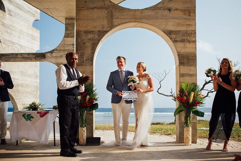 Emma-Andrew-WeddingPhotography-VillaChampagne-Evrisamting-GroovyBanana-VanuatuPhotographers_0013.jpg