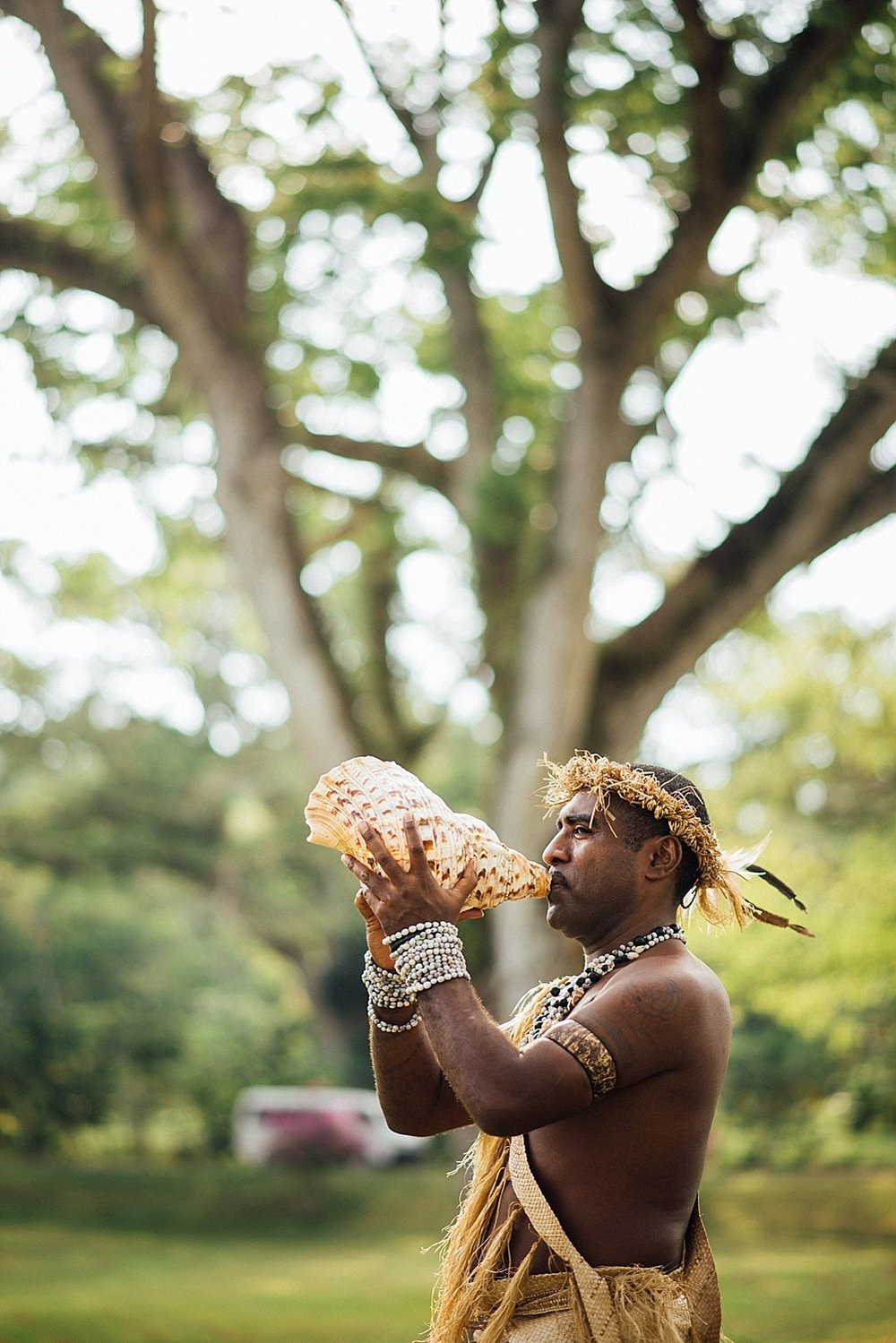 Deanna-Michael-WeddingPhotography-HolidayInnResort-GroovyBanana-VanuatuPhotographers_0007.jpg