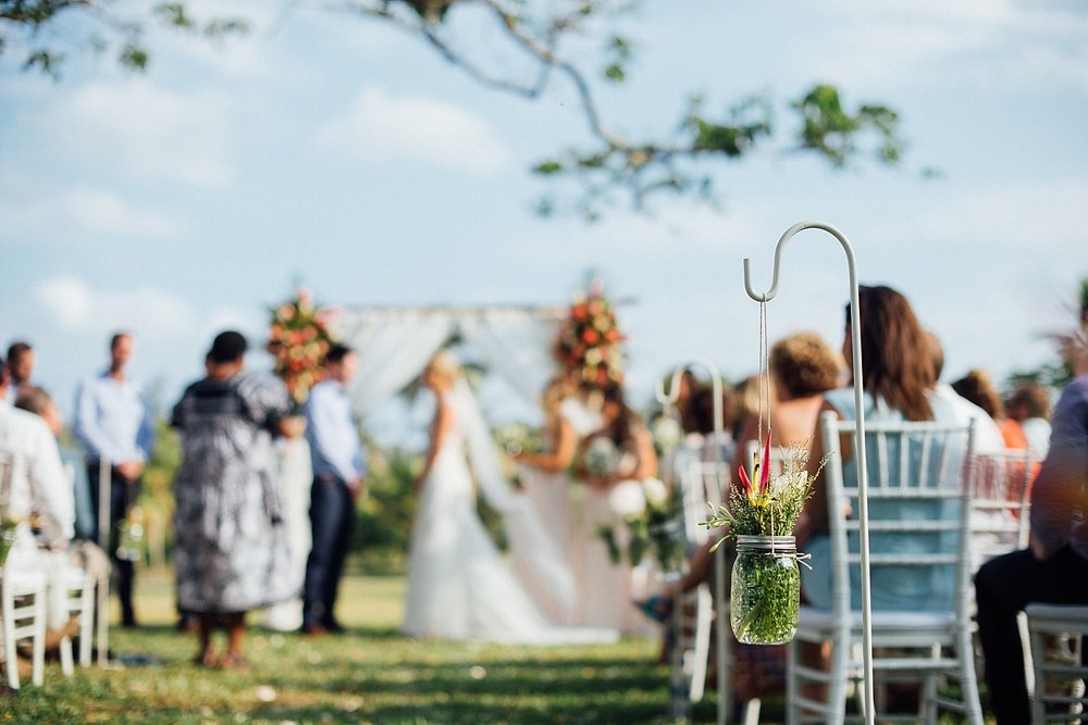 Deanna-Michael-WeddingPhotography-HolidayInnResort-GroovyBanana-VanuatuPhotographers_0010.jpg
