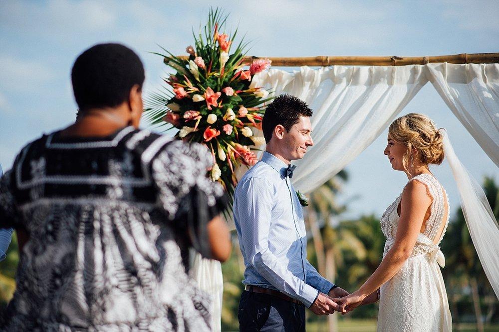 Deanna-Michael-WeddingPhotography-HolidayInnResort-GroovyBanana-VanuatuPhotographers_0009.jpg