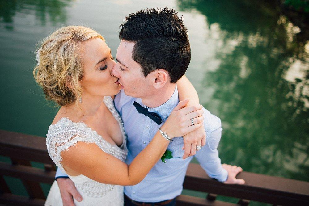 Deanna-Michael-WeddingPhotography-HolidayInnResort-GroovyBanana-VanuatuPhotographers_0019.jpg