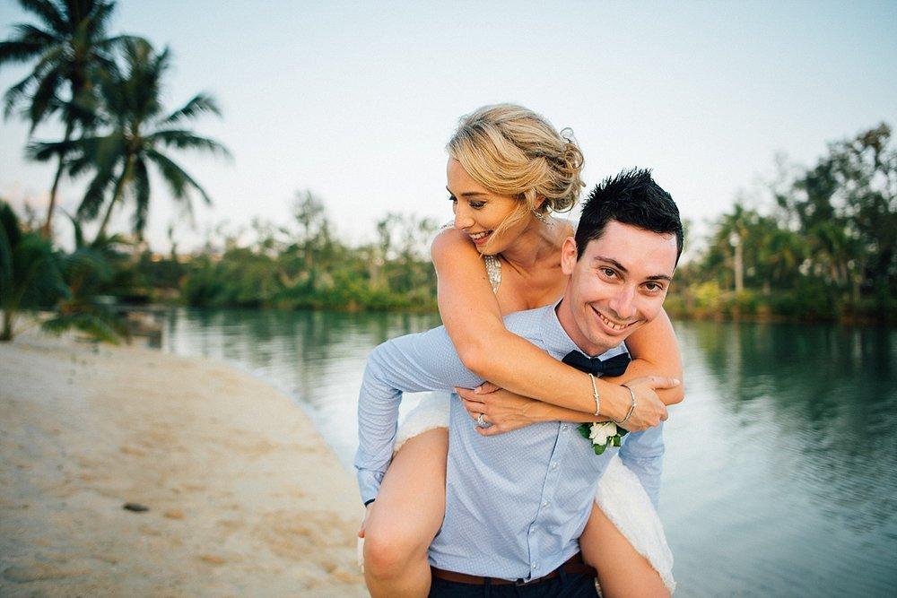 Deanna-Michael-WeddingPhotography-HolidayInnResort-GroovyBanana-VanuatuPhotographers_0022-.jpg