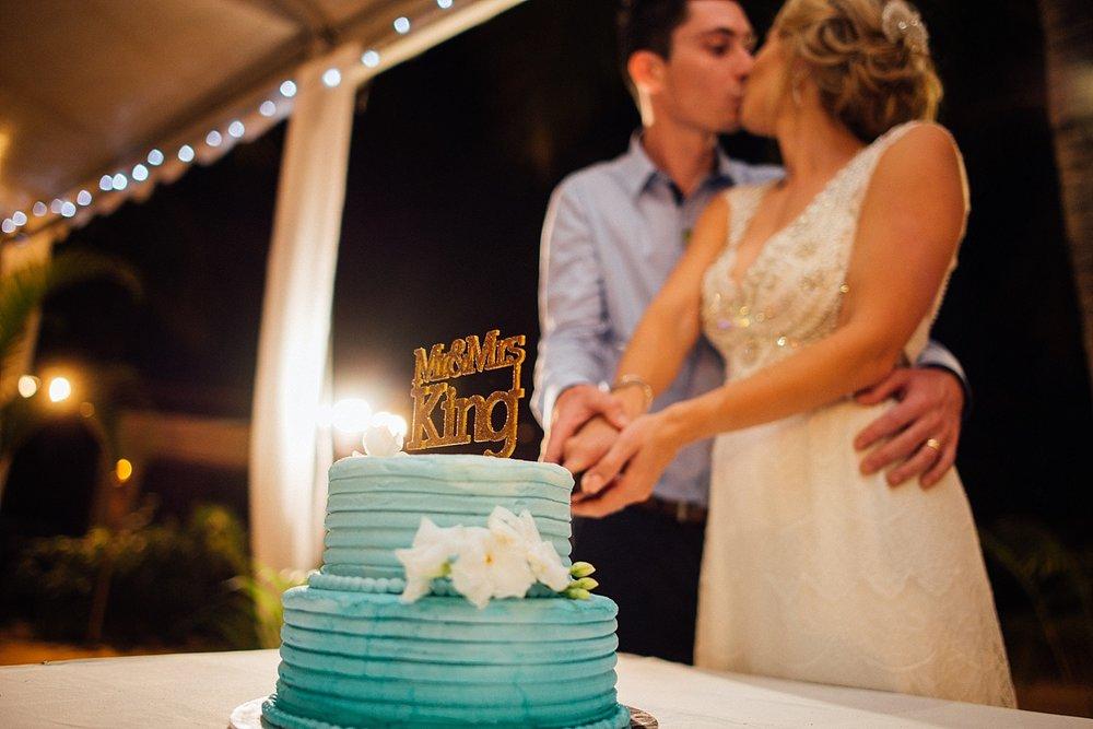 Deanna-Michael-WeddingPhotography-HolidayInnResort-GroovyBanana-VanuatuPhotographers_0025.jpg