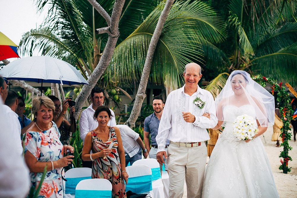 Liz-Benn-WeddingPhotography-ErakorIsland-GroovyBanana-VanuatuPhotographers_0018.jpg