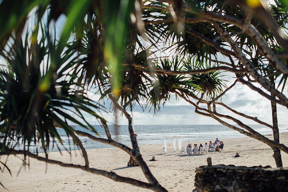 AnnaKyle-WeddingPhotography-TamanuOnTheBeach-VillaChampagne-GroovyBanana-VanuatuPhotographers_0011.jpg