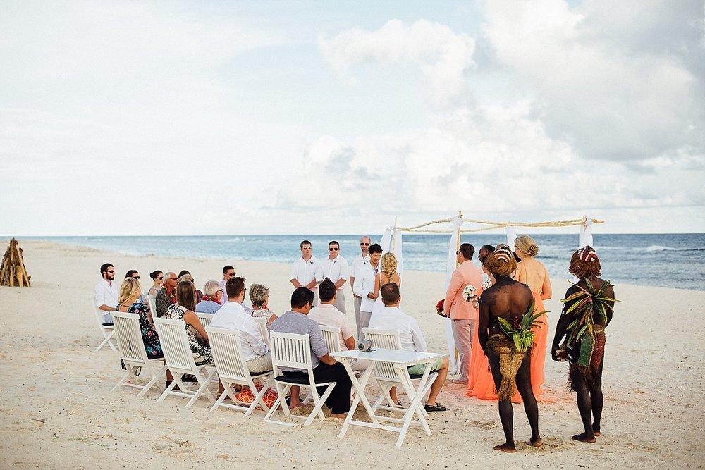 AnnaKyle-WeddingPhotography-TamanuOnTheBeach-VillaChampagne-GroovyBanana-VanuatuPhotographers_0014.jpg
