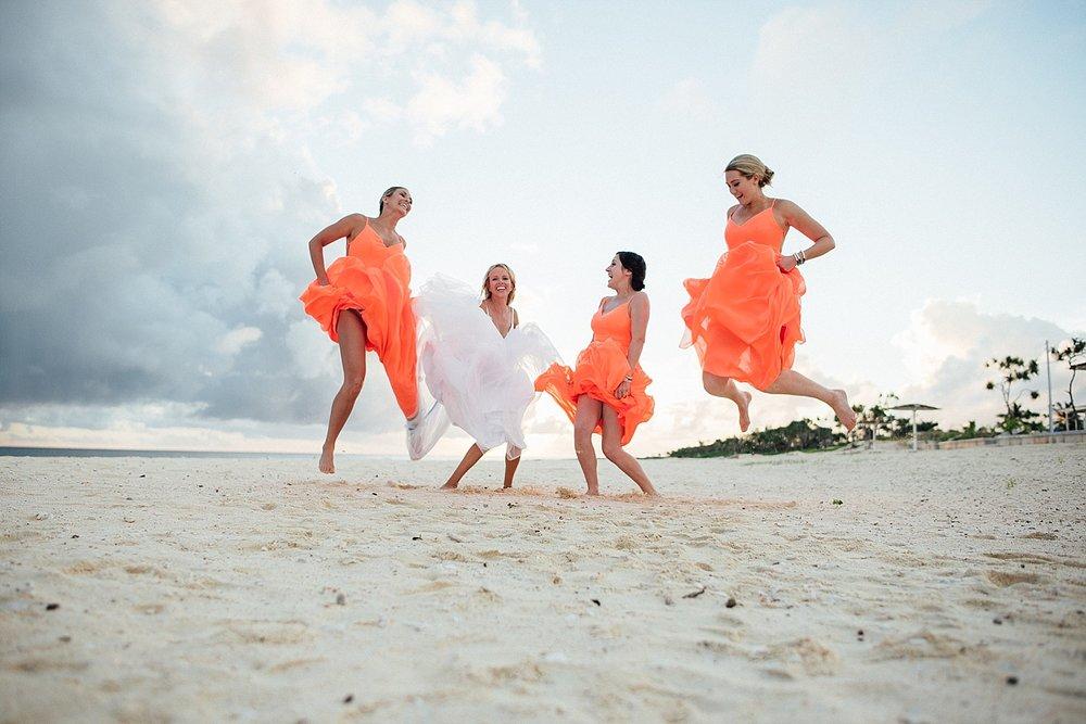 AnnaKyle-WeddingPhotography-TamanuOnTheBeach-VillaChampagne-GroovyBanana-VanuatuPhotographers_0025.jpg