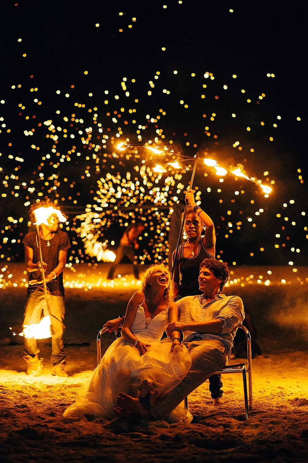 AnnaKyle-WeddingPhotography-TamanuOnTheBeach-VillaChampagne-GroovyBanana-VanuatuPhotographers_0034.jpg