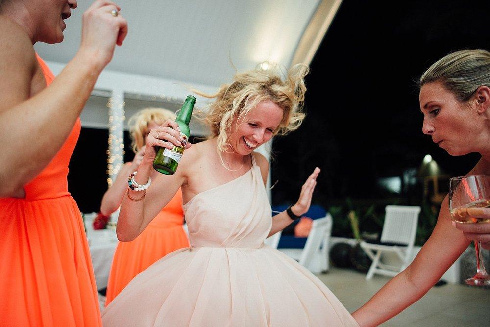 AnnaKyle-WeddingPhotography-TamanuOnTheBeach-VillaChampagne-GroovyBanana-VanuatuPhotographers_0039.jpg