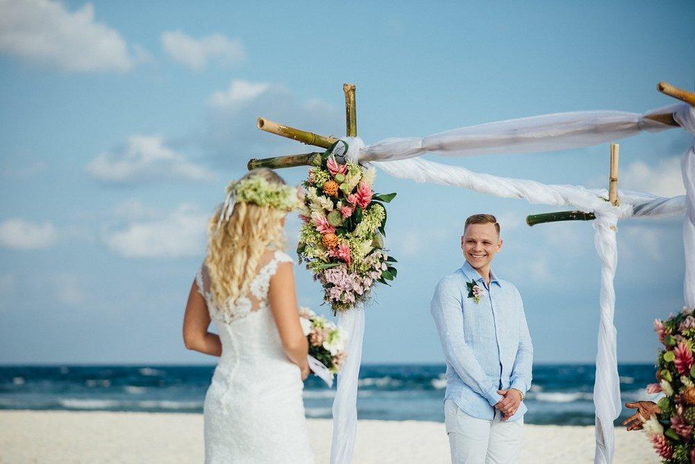 gathlin-andre-wedding-tamanu-on-the-beach-vanuatu-phtography-005.jpg