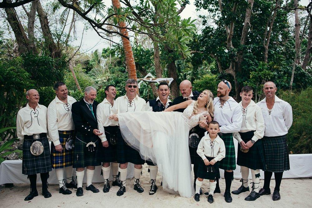 lorraine-simon-wedding-erakor-vanuatu_0019.jpg