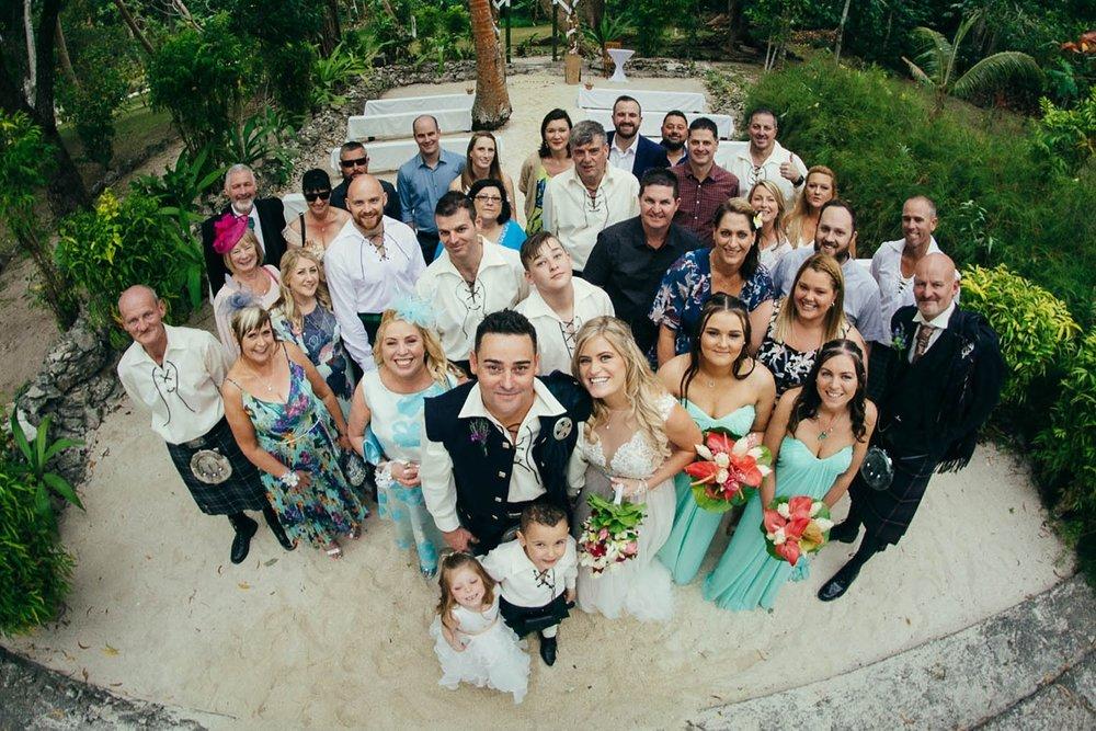 lorraine-simon-wedding-erakor-vanuatu_0020.jpg