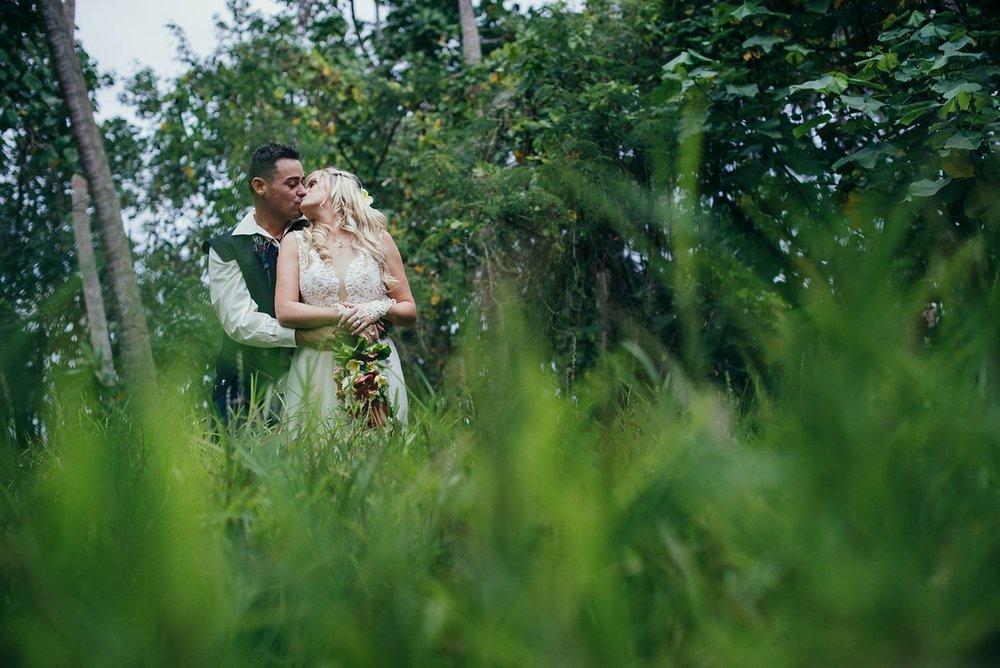 lorraine-simon-wedding-erakor-vanuatu_0027.jpg