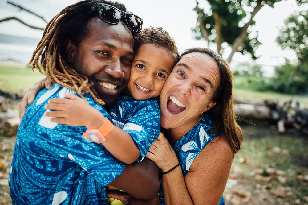 georgia-family-photoshoot-pango-point-vanuatu-groovy-banana_0004.jpg