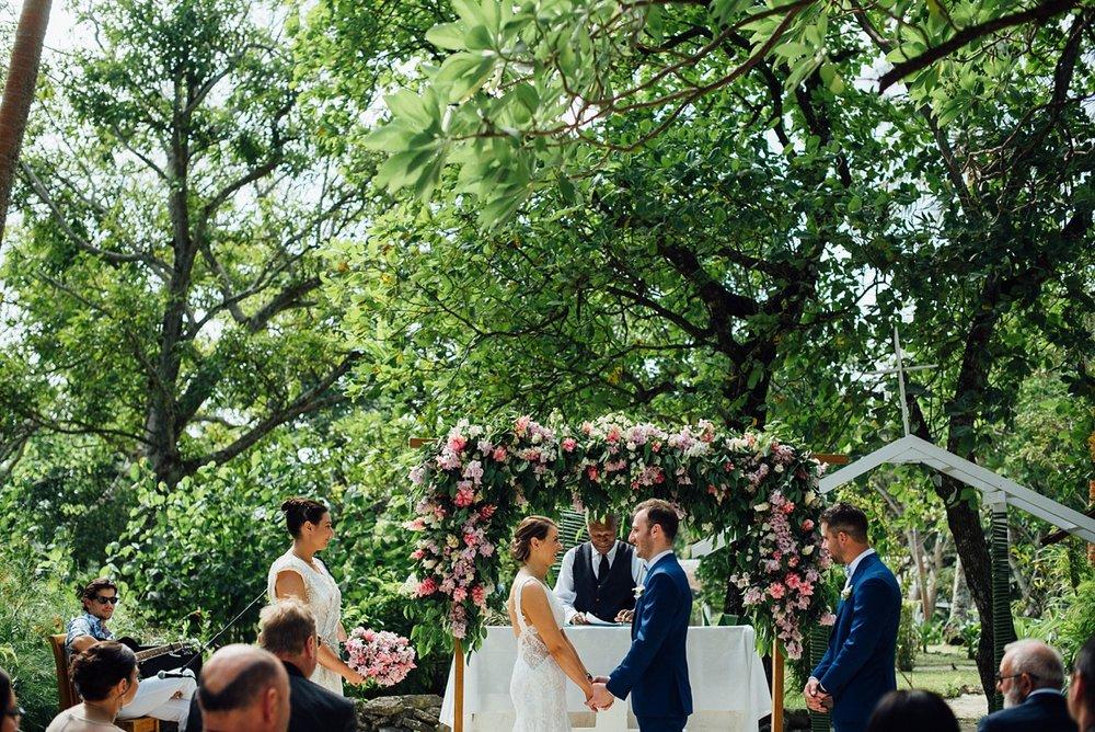 donna-albert-wedding-erakor-vanuatu-groovy-banana_0017.jpg