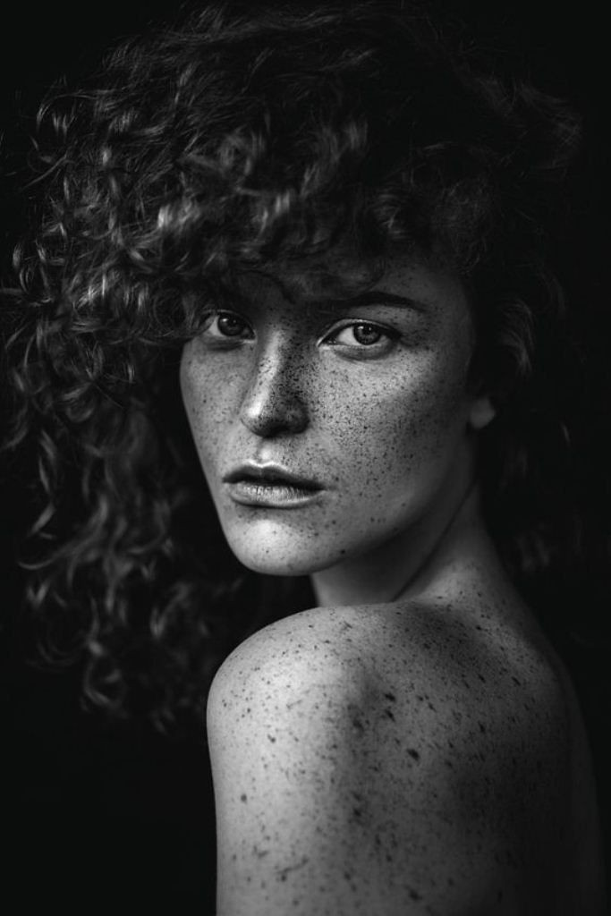 black_and_white_portrait_photography_9.jpg