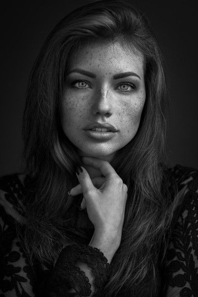 black_and_white_portrait_photography_25.jpg