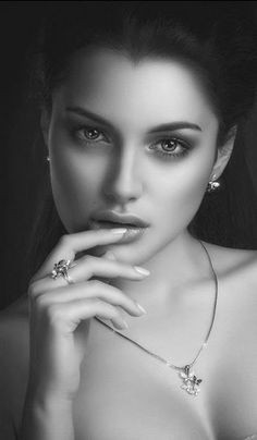 black_and_white_portrait_photography_33.jpg