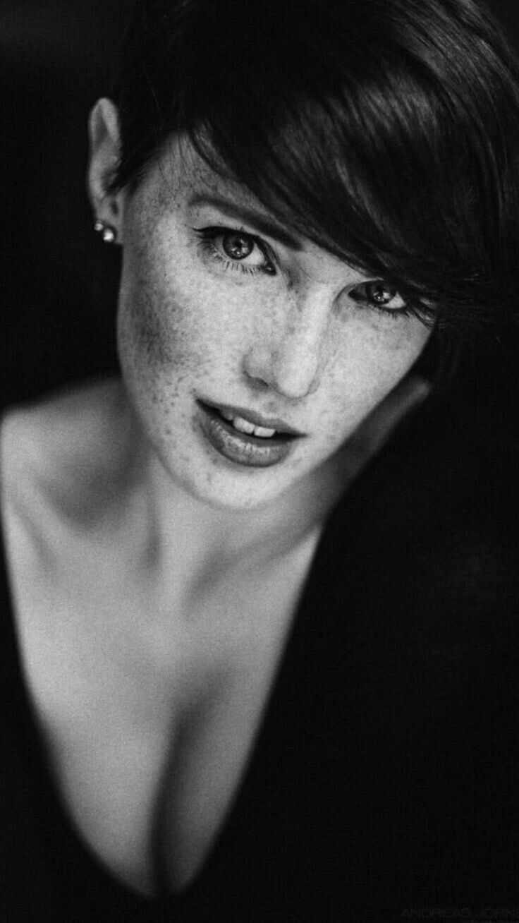 black_and_white_portrait_photography_41.jpg