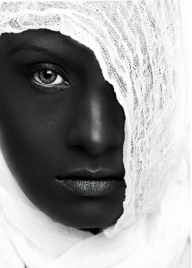 black_and_white_portrait_photography_54.jpg