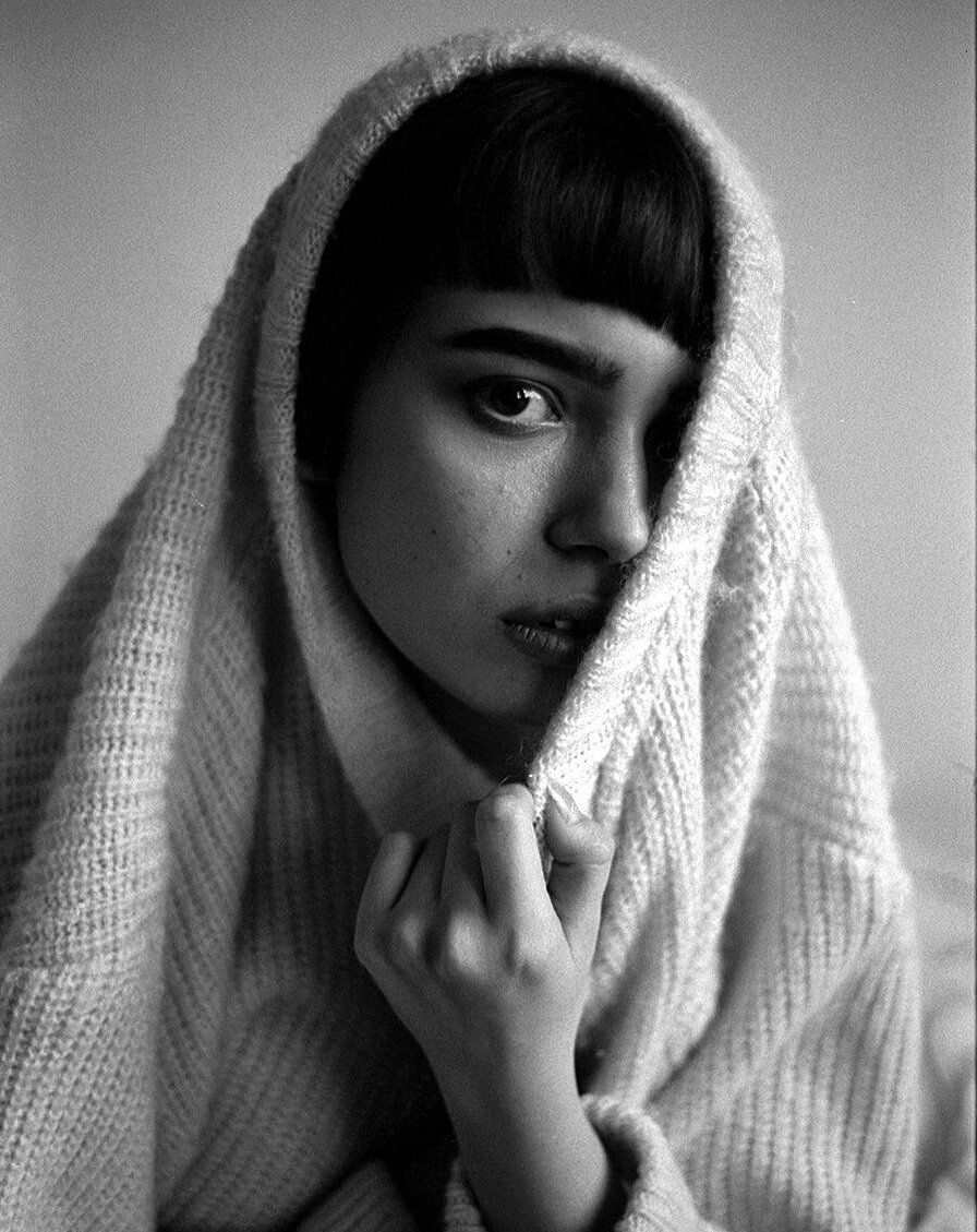 beautiful_black_and_white_portrait_photography_20.jpg