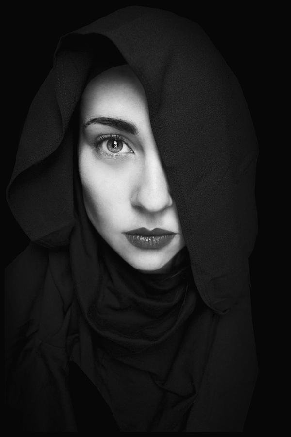 beautiful_black_and_white_portrait_photography_72.jpg