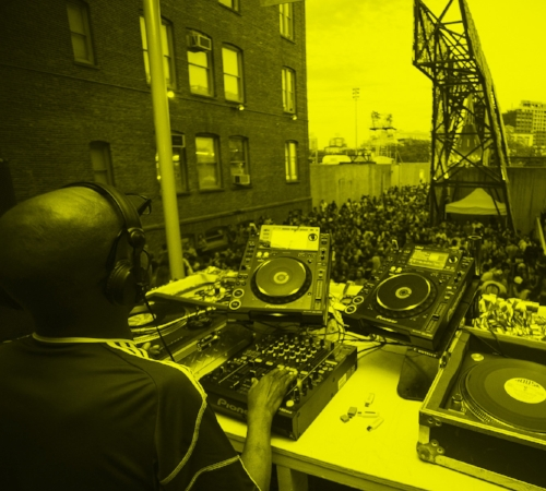 Warm Up at MoMA PS1 - MoMA PS1  •  Aug 5  •  12 - 9 PMMore information herePhoto credit: MoMA PS1