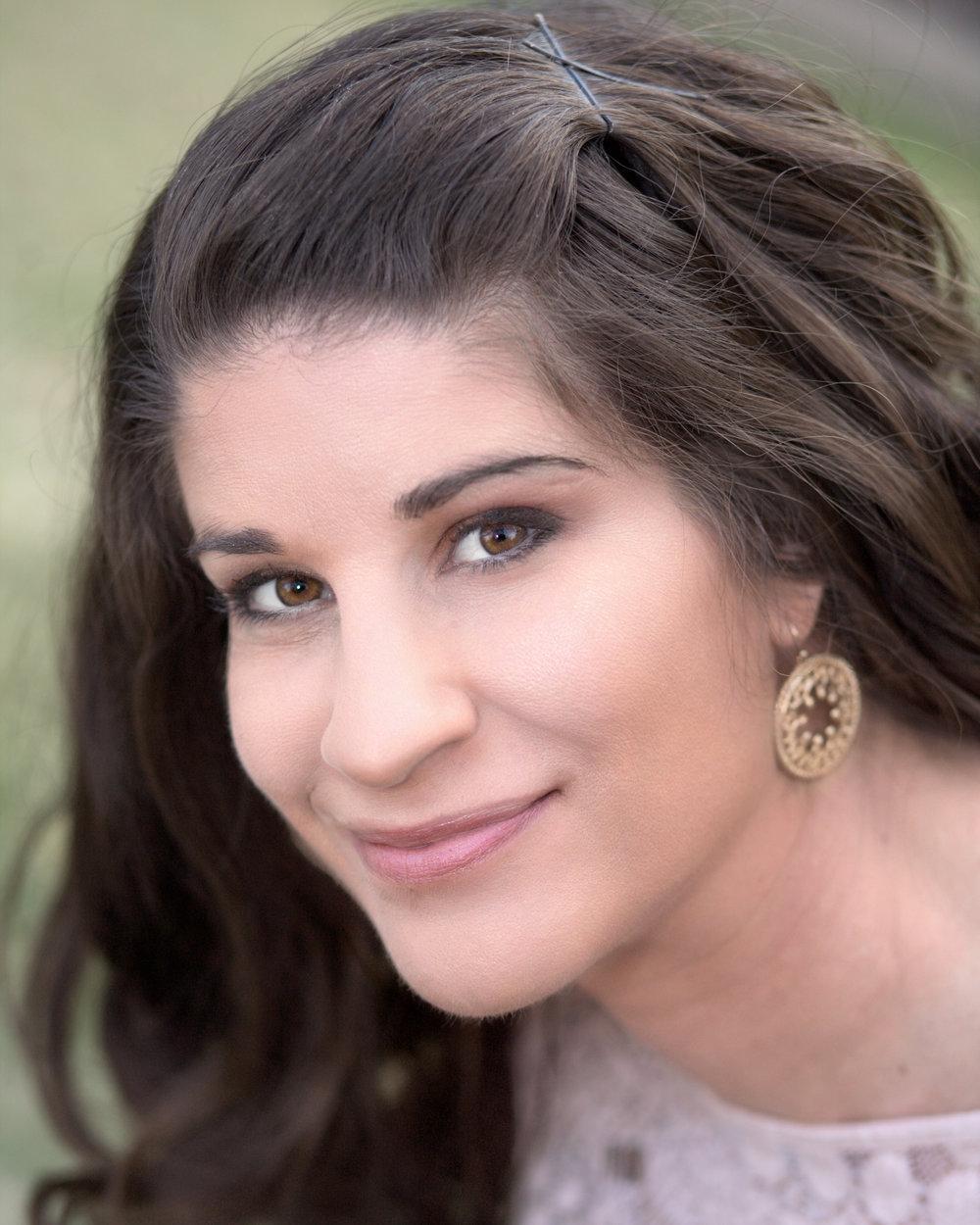 Amy Emnett- headshot.jpg