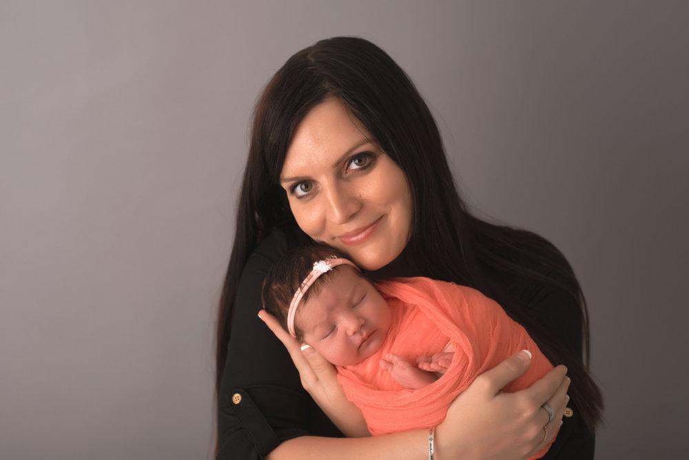 5.31.16 Newborn-Zahra-0005.jpg