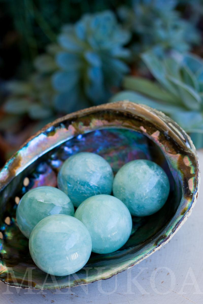 aquamarine sphere manukoa.etsy.com2.jpg