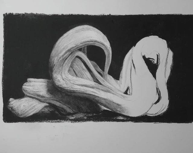 WIP  Sketch in charcoal pencils.  #callitanight #charcoal #general's #4B #break #drawing #unreal_landscapes #unreal #lucasredondobonetartist #wip #wacomtablet #texture #blackandwhite #realism #sketch #チャコペン #スケッチ