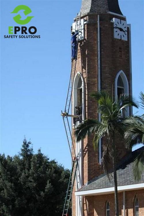 ladder idiot.jpg