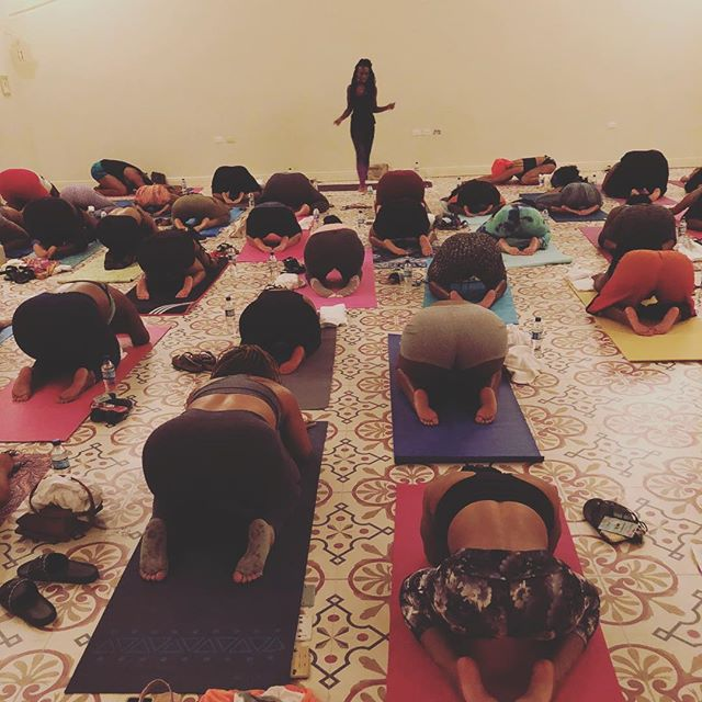 #bareretreat morning yoga session led by @hippie_heathen with @curvycurlyconscious. Even if you couldn't join us this year, remember to always take time to get the mind and body right 🧘🏾♀️🧘🏿♀️🧘🏽♀️#ave51event