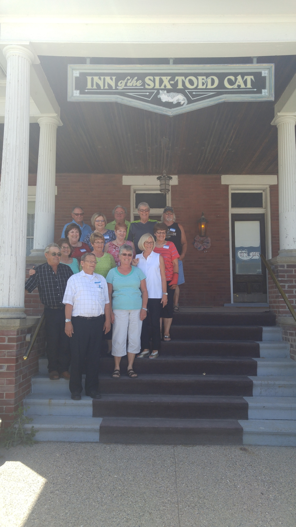 ACL Eagles class of 1966 at the Inn of the Six-Toed Cat
