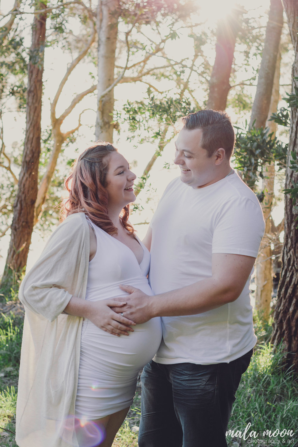 Pregnant-Couple-In-Love
