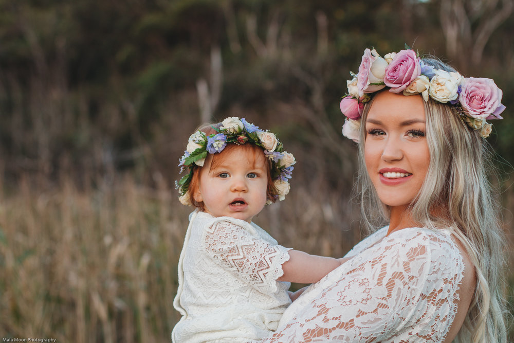 adorable-portrait-of-mum-and-child-on-the-central-coast