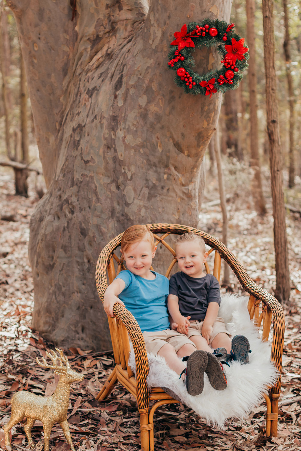 brothers-sitting-in-chair-portrait-central-coast