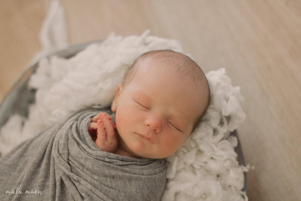 Oliver-Newborn-Mala-Moon-Photography-8.jpg