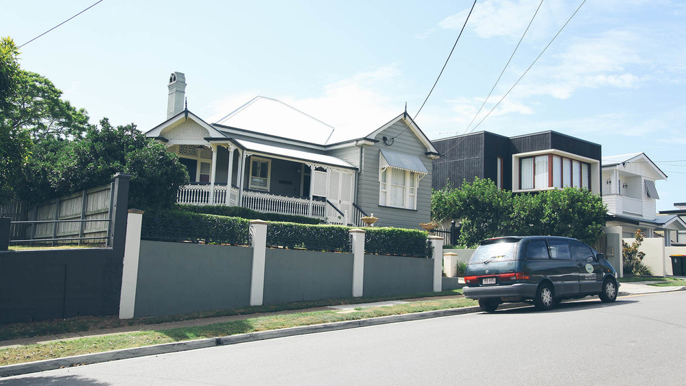 The conveyancing solicitors of Dylan & Inns Brisbane can assist you to buy or sell a property in Bulimba.