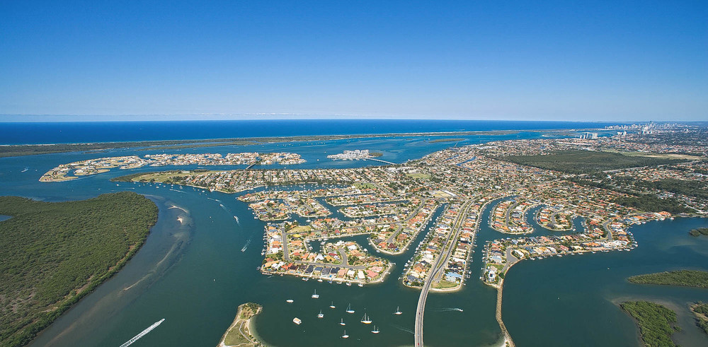 Paradise Point is located on the Gold Coast and is home to plenty of canal facing properties, modern apartments and freestanding houses.