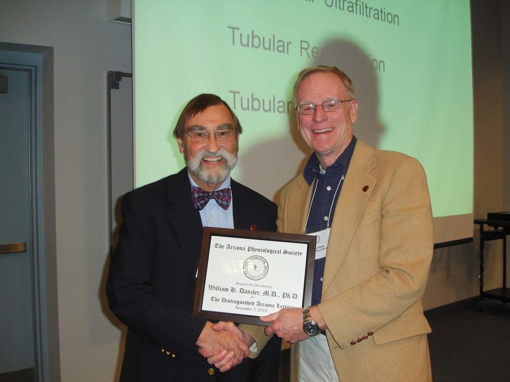 Dr. Lindstedt presenting cert to Dr. Dantzler.jpg (3).jpg